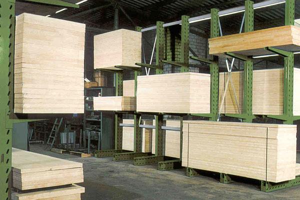 Kragarmregale Holzplatten